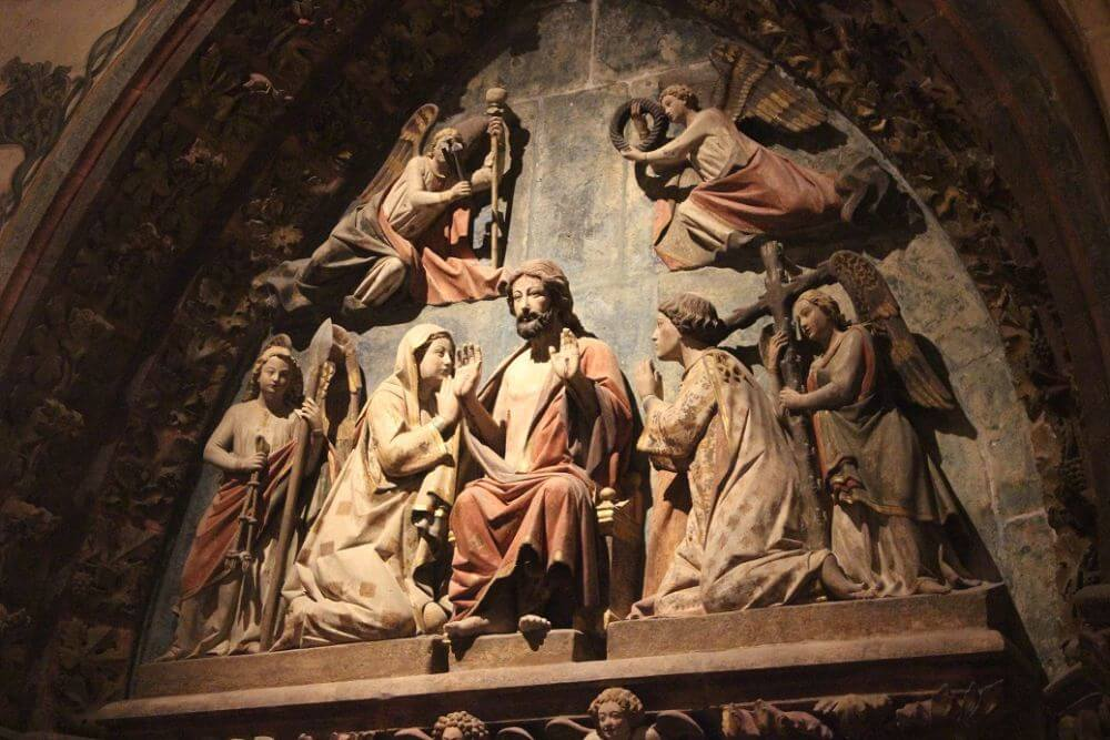 Burgos-Turismo_Visita-guiada-Catedral_Claustro