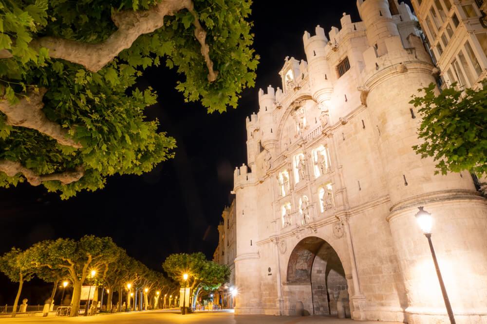 Burgos-Turismo_Visita-guiada_Nocturna_Burgos-Leyenda_12