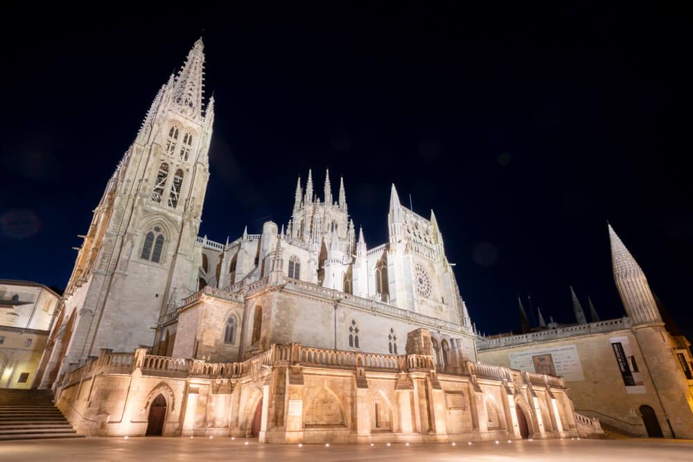 Burgos-Turismo_Visita-guiada_Nocturna_Burgos-Leyenda_7