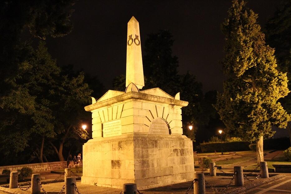 Burgos-Turismo_Visita-guiada_Nocturna_Burgos-Leyenda_Monumento-del-Empecinado