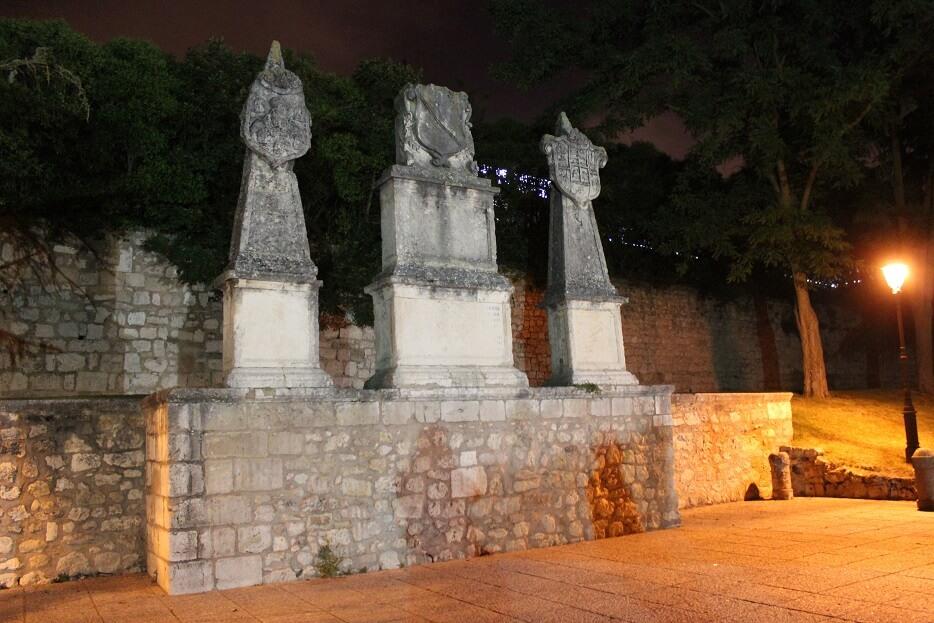 Burgos-Turismo_Visita-guiada_Nocturna_Burgos-Leyenda_Solar-del-Cid