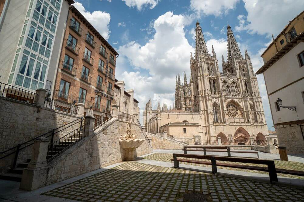 Burgos-Turismo_Visita-guiada_Entorno-Catedral