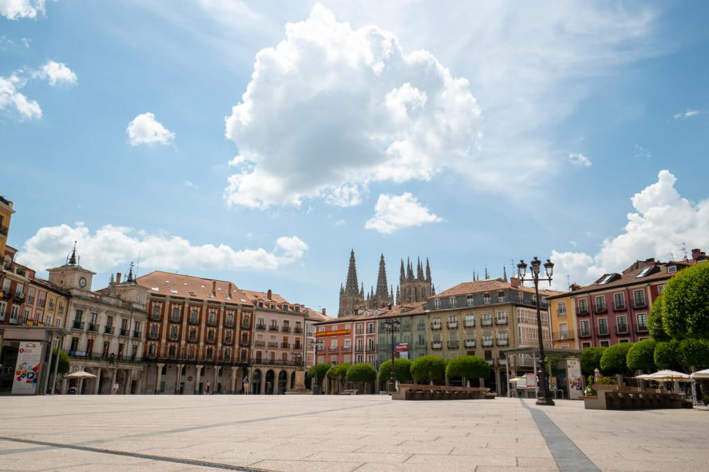 Burgos-Turismo_Plaza-Mayor_2